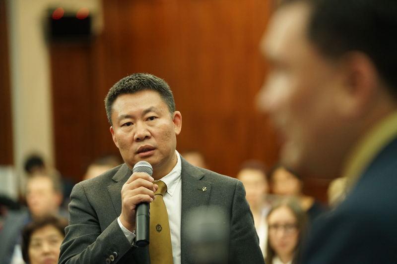 中国企业代表提问1.jpg